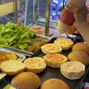 Các bước làm vỏ bánh hamburger thơm ngon